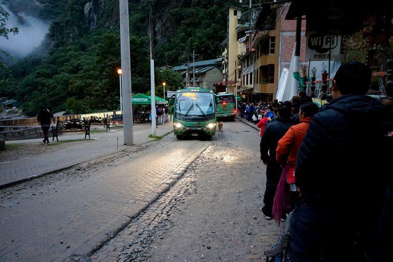 Bus Machu Picchu Morning