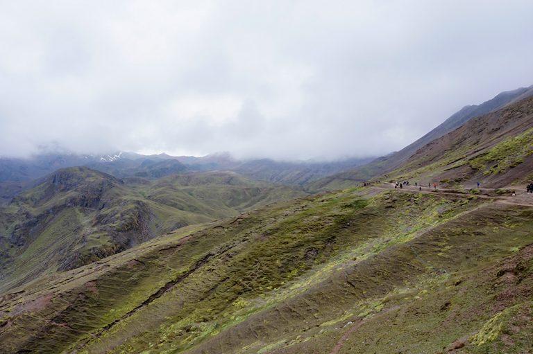 Hike rainbow Mountain inka flat