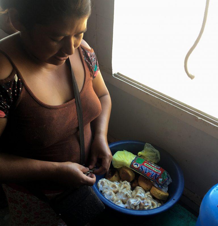 Vendadores Pucallpa Iquitos Cargo Boat