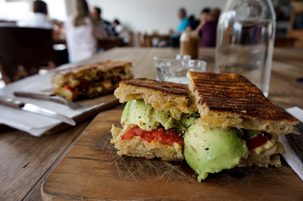 Panadería El Pan De La Chola Sandwich Avocado