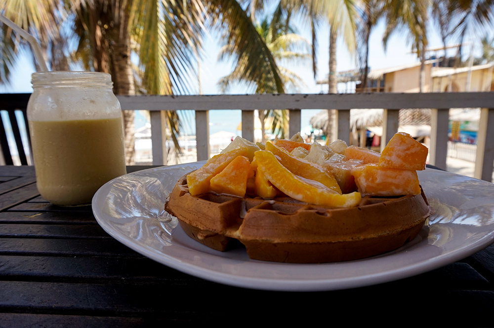 Breakfast Waffles fruit shake Mancora beach