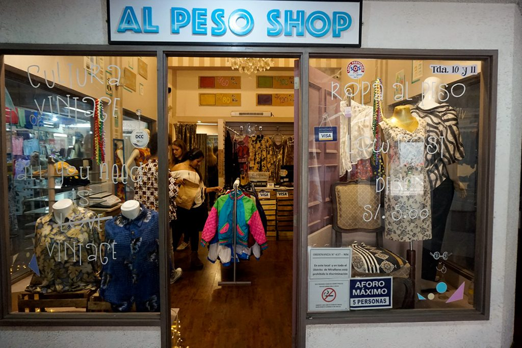 Second hand clothes Lima Al Peso Shop