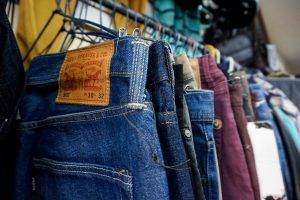 Second hand store Lima Levis