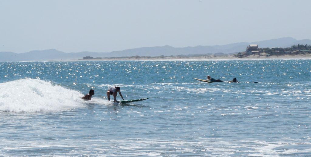 Beginner Surf lesson Mancora
